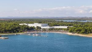 1005-solaris-beach-resort-solaris-spa-beach